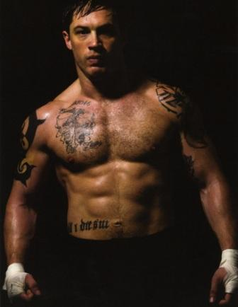 Tom Hardy body muscles in Warrior