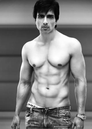 sonu-sood-body-abs