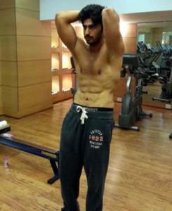Arjun Kapoor Workout at gym