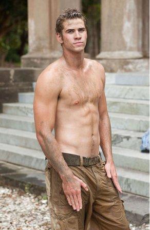 Liam-Hemsworth-Body