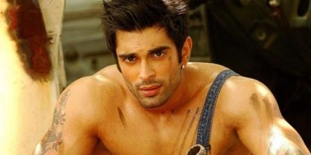 Karan Singh Grover Body