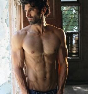 Aditya Roy Kapur Body