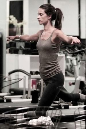 Alessandra Ambrosio workout