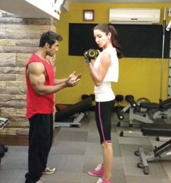 Anushka Sharma workout