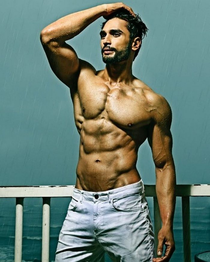 Rohit Khandelwal Body
